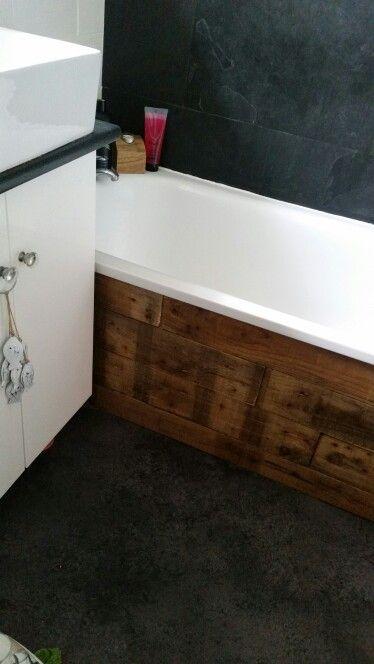 Wood pallet bath panel