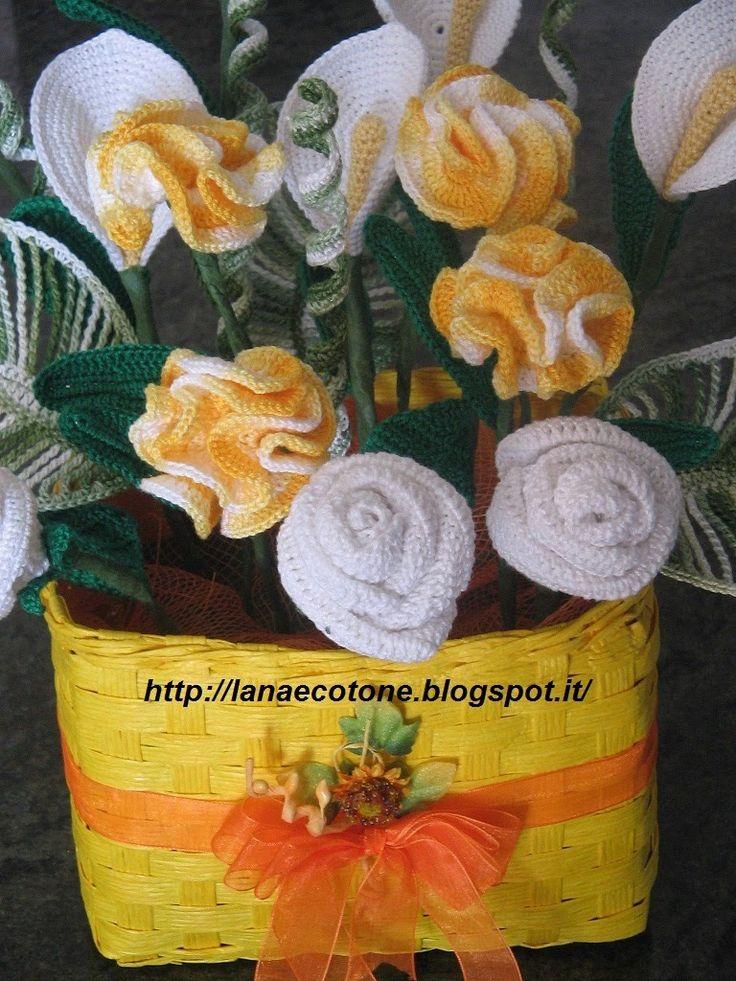 Ecco la mia composizione floreale composta da rose, calle e garofani. Di seguito vi mostro le indicazioni per realizzare ogni fiore.  ...