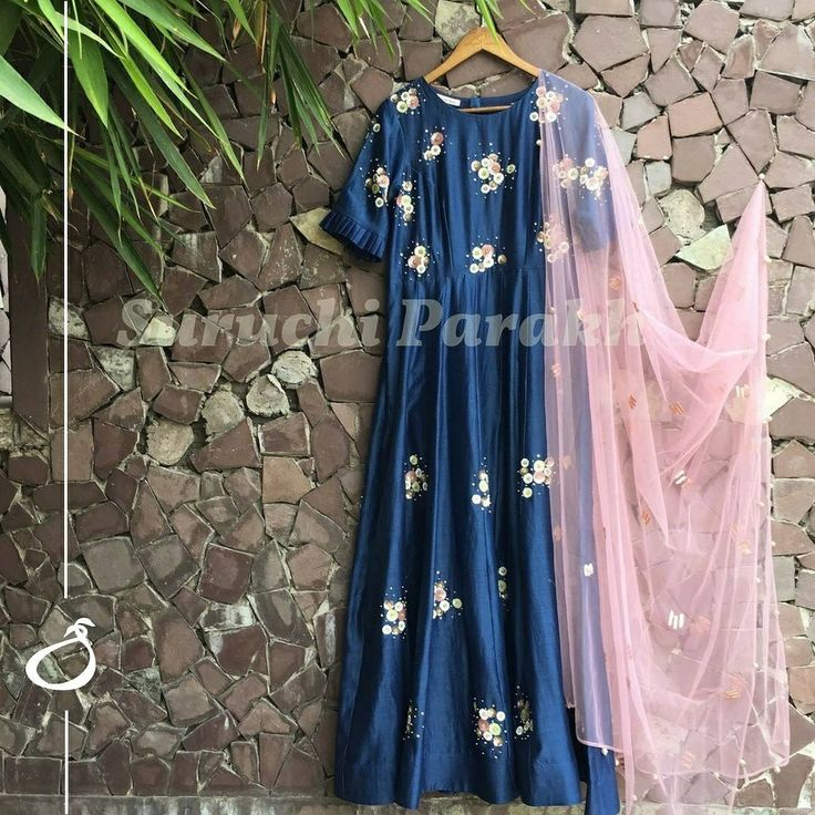 Fall in love with this enchanting combination of colors! Adorned with handcrafted bootis all over and paired with a lovely minimalistic dupatta this piece is a true head turner for the festive season . 19 November 2017