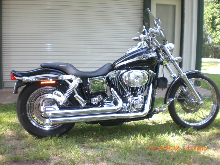 ... don't get any better than a Harley Dyna Wide Glide.. Classic, classic motorcycle lines..
