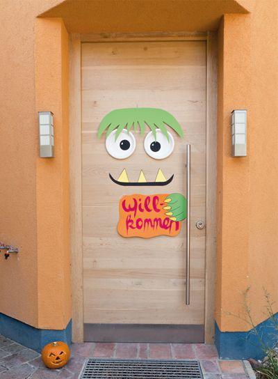 Begrüßen Sie Ihre Gäste mit einer schaurig schönen Eingangstür.