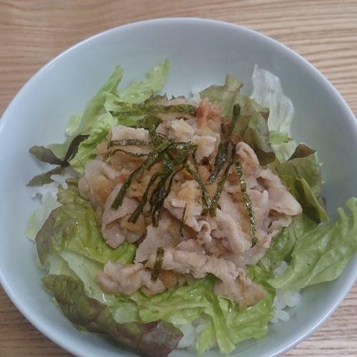 あっという間にできる簡単丼。豚肉の脂も大根おろしと梅干しでとってもサッパリします。ワサビもきかせて大人の丼に。梅おろし豚丼[和食/ご飯もの(寿司、ご飯、どんぶり)]2010.07.05公開のレシピです。