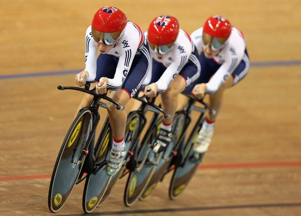 Laura Trott Photos - Laura Trott,  Elinor Barker and Dani King of Great Britain ride in the Women's Team Pursuit during day two of the UCI Track…
