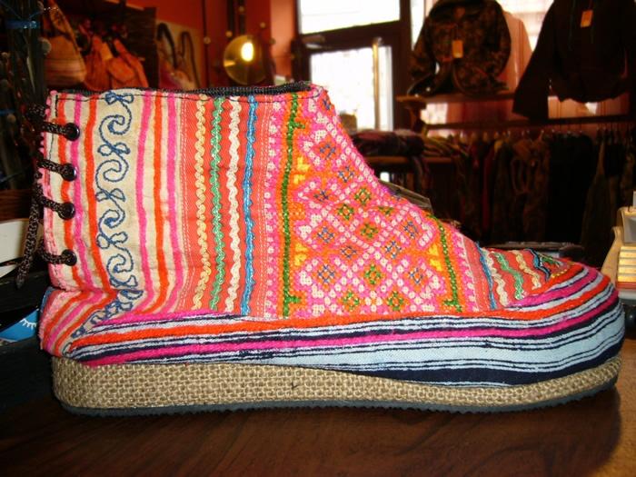 Clandestino Shop - magazin de imbracaminte, incaltaminte si accesorii hippie
