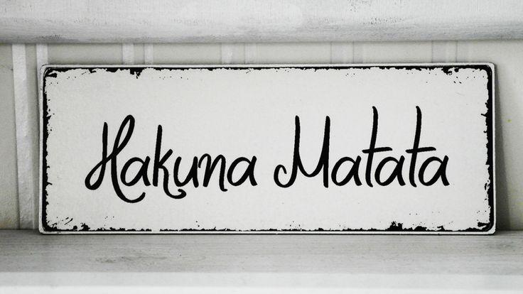 Shabby Vintage Holz Schild HAKUNA MATATA von homestyle-accessoires via dawanda.com