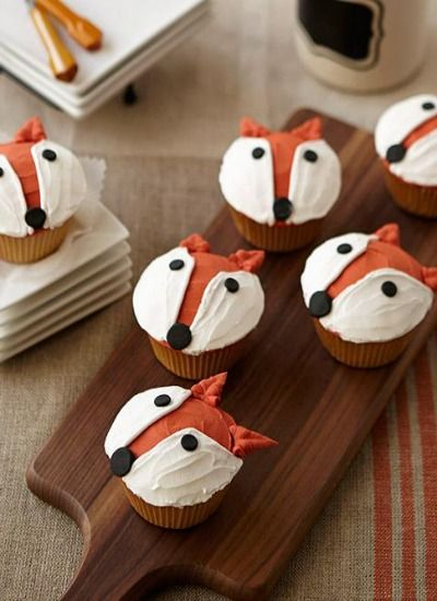 Cake Decorating Tutorial | Fun fox cupcakes!