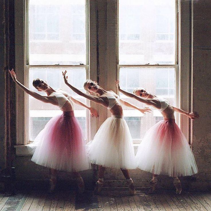 Ballerinas - Bolshoi Ballet - Photo by Valery Wegner