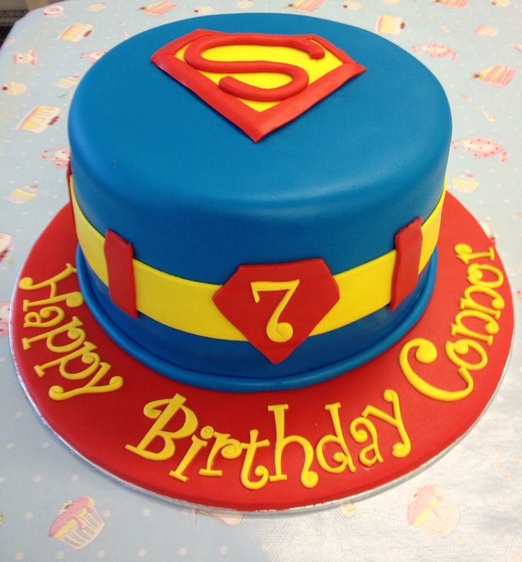 The 25+ best Superman cakes ideas on Pinterest Superhero ...