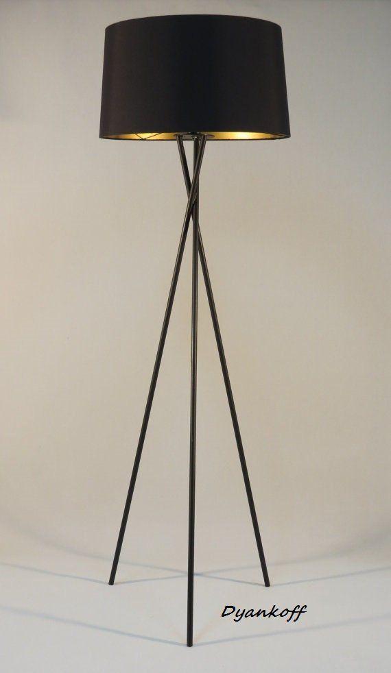 Handgemaakte Tripod Vloerlamp Met Zwarte Gekleurde Metalen Stand