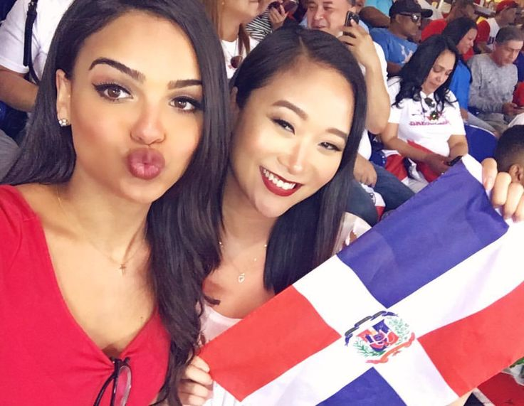 """7,340 Likes, 59 Comments - Lisa Ramos (@lisaaramos) on Instagram: """"So much fun reppin' DR at the Dominican Republic VS Canada game! Thanks @MLB 🇩🇴🇩🇴🇩🇴🇩🇴"""""""