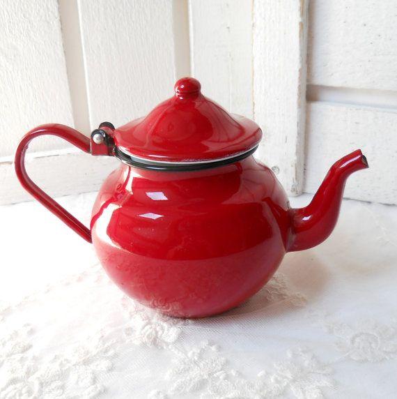 vintage enamel teapot red tea pot vintage by minoucbrocante, €17.50