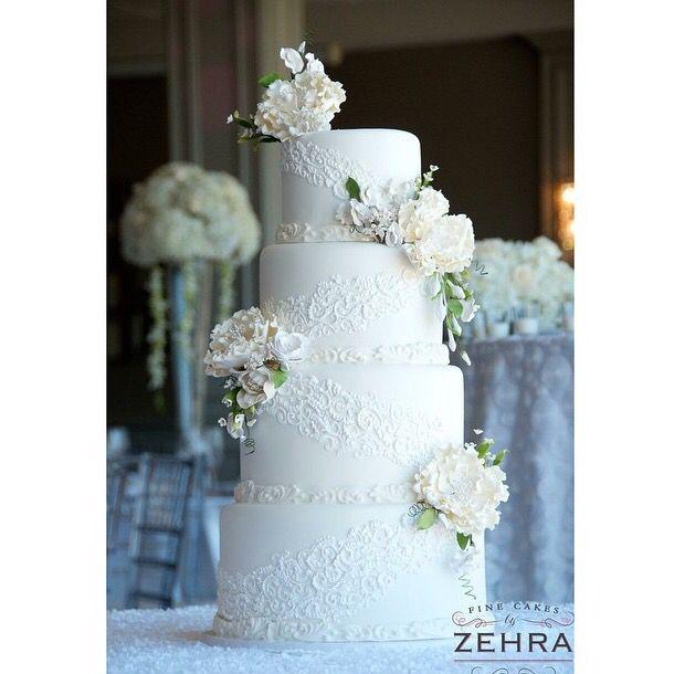 White wedding cake with Gumpaste Peony Sugarflowers | CaljavaOnline.com