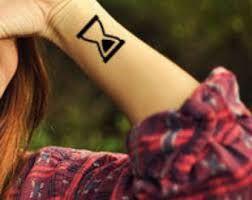 Výsledek obrázku pro tattoo hourglass