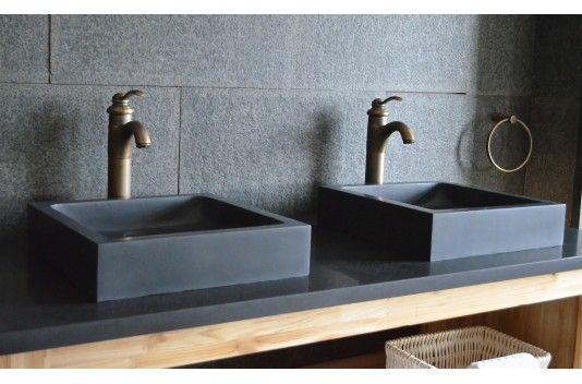 Vasque en pierre noire carrée KIAMA 40x40 pierre de lave - Living'ROC et plein d'autres...