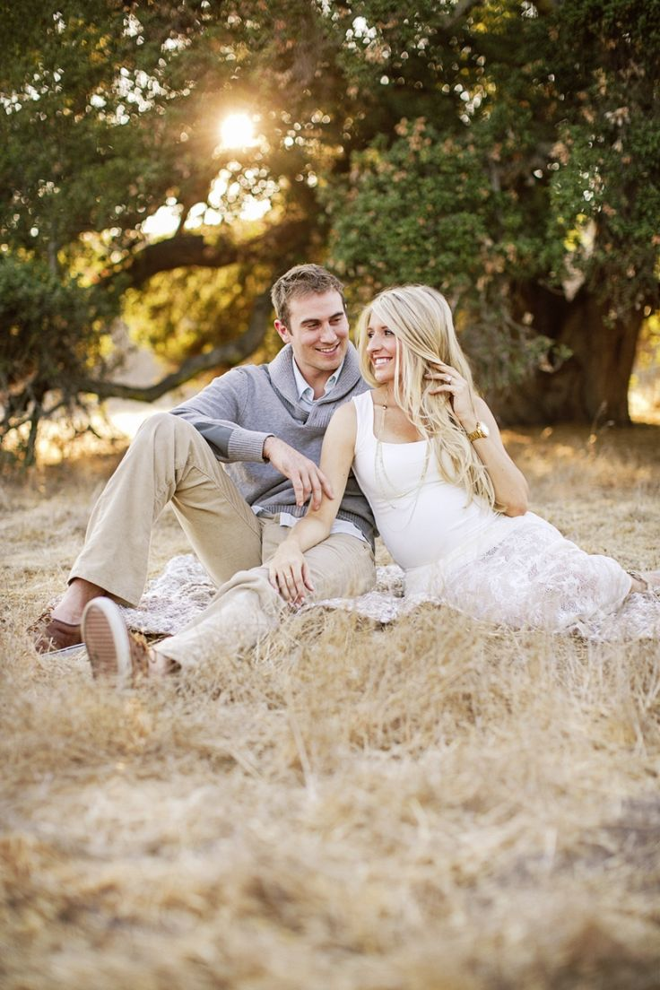 Gorgeous! LOVE this maternity session! #baby #photography