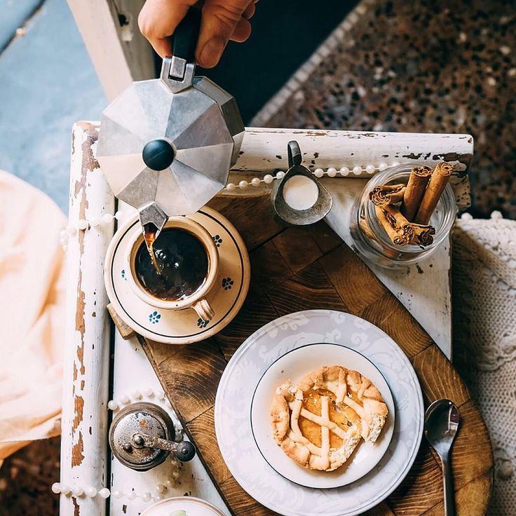Заварите себе чашечку ароматного кофе, приоткройте окно и подставьте лицо солнечным лучам... Лето пришло!  #летопришло #летоэтомаленькаяжизнь #creativephototeam #foodphoto #foodphotographer #coffee #tea #breakfast #morning #sweets #tasty #likeforlike #lik