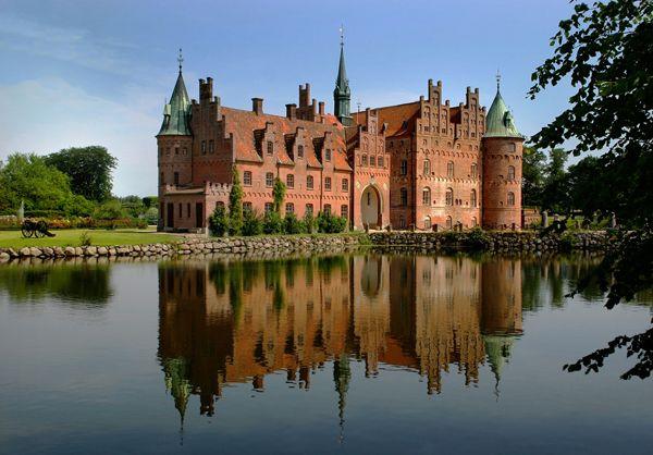 http://www.egeskov.dk/: Renaissance Water, Favorite Places, Castles, Europe S, Travel, Denmark, Island