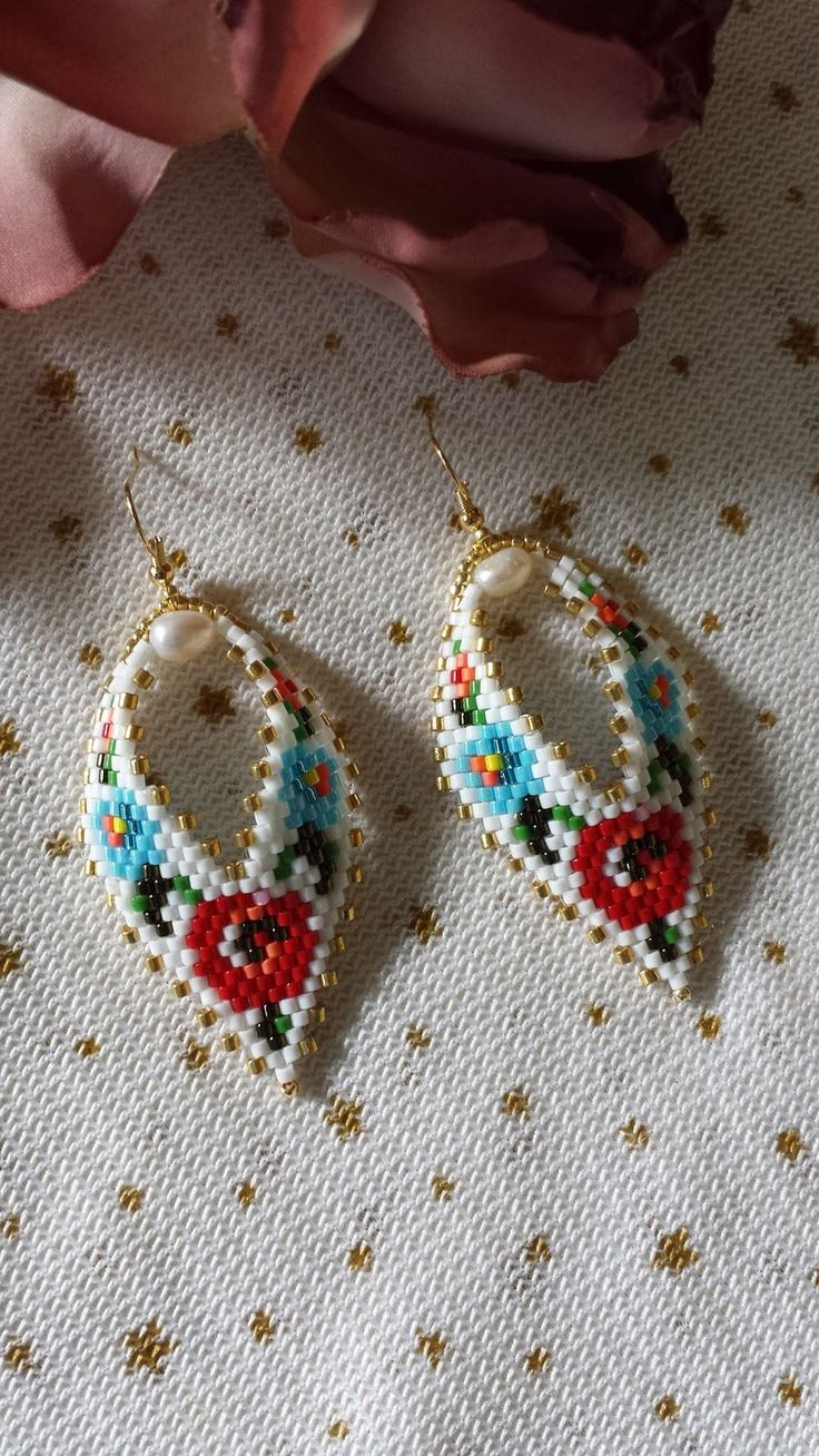 ...blog de prezentare cu bijuterii,creatii personale!