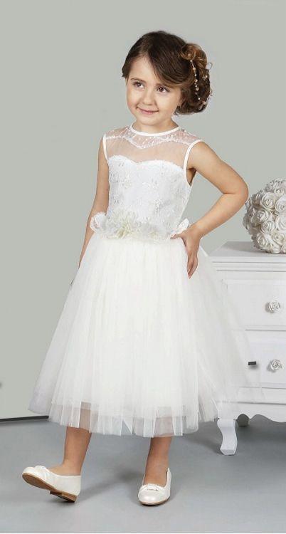 Het heeft lang geduurd, maar eindelijk kan ik de nieuwe bruidsmeisjesjurken laten zien. Schitterend zijn ze. Kijk snel voor de maten en verschillende kleuren op bruidskindermode.nl.  Trouwen, bruiloft, huwelijk, bruidsmeisjes, bruidsmeisjesjurk, bruidsmeisjeskleding, bruidskinderen, bruidskinderkleding, communiejurk, communiekleding.