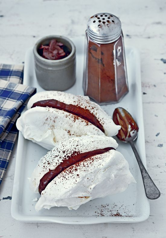 Meringues filled with chocolate ganache {PHOTO: Jean Cazais}
