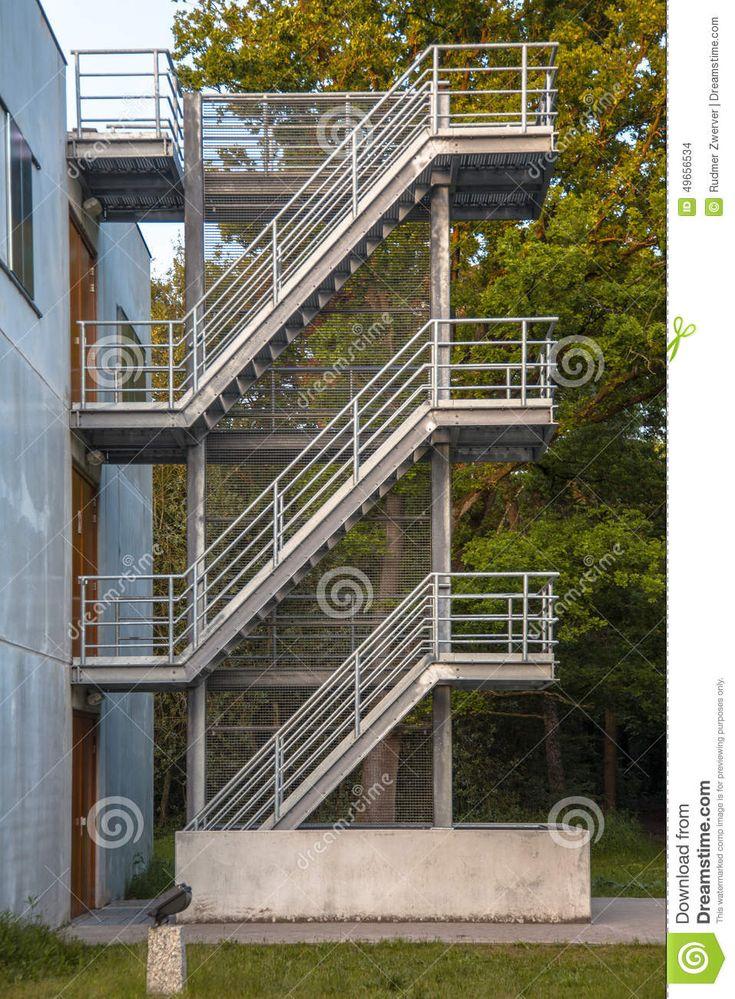 Mejores 22 im genes de escaleras de emergencia en for Escaleras de emergencia