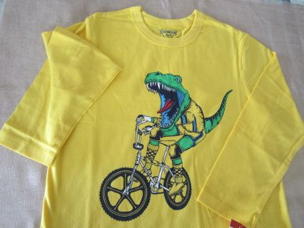 """NEW with tag! A cool chap in this trendy yellow OSHKOSH longsleeve tee! Size 7 Measurements : width 40 cm, length 54 cm, sleeve length 42 cm For boy WT 49-54 lbs and HT 47-49"""" Code B028"""