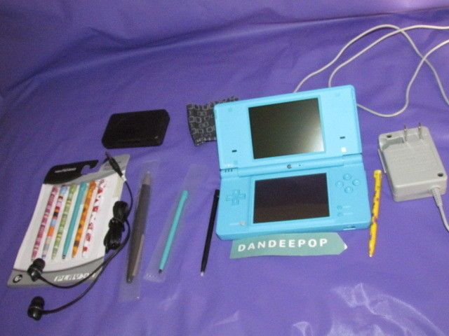 Nintendo DSi Video Game Console 2008 Light Blue With Stylus' & Pen Works #Nintendo #dsi #videogamesystems #videogameconsole #nintendo #dandeepop Find me at dandeepop.com
