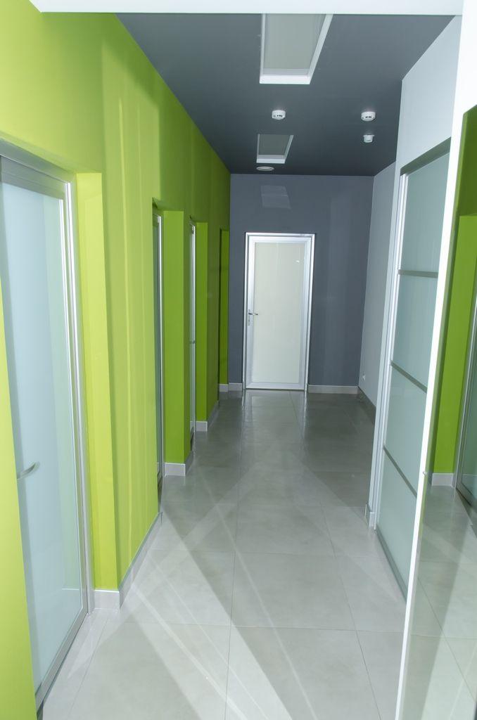 Алюминиевые офисные двери с матовым стеклом
