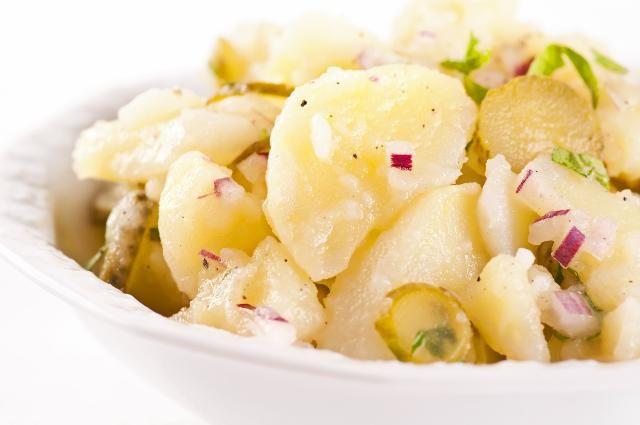 Kartoffelsalat mit Essiggurken