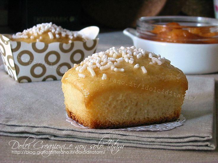 Tortine+soffici+allo+yogurt+e+albicocche