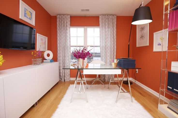 The color experts at HGTV.com take a look at how color affects your mood to help you choose the right hue for your home.
