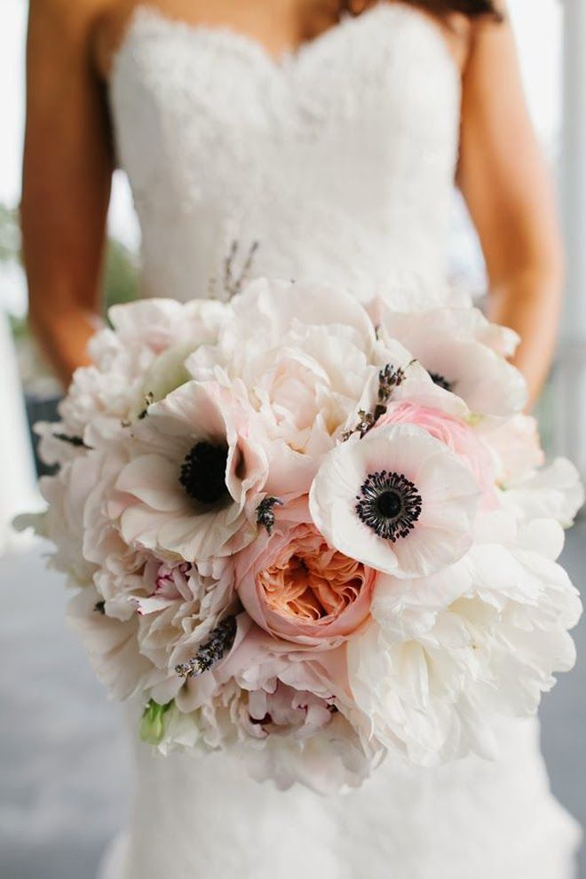 A gallery of the Best Wedding Bouquets of 2013