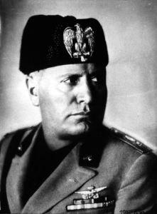 Fotografia intitolata 'Benito Mussolini' (Data:  1937) scattata da Carell Ghitta Archiviata nella categoria 'FOTOGRAFIA. IMMAGINI E STRUMENTI - Autori italiani attivi dal 1900 al 1945'