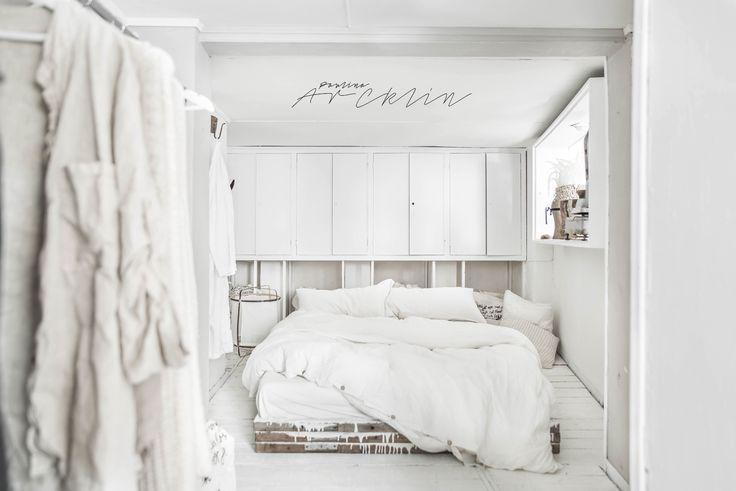 Fundal alb, accente gri și stil boem într-un loft din Milano Jurnal de design interior