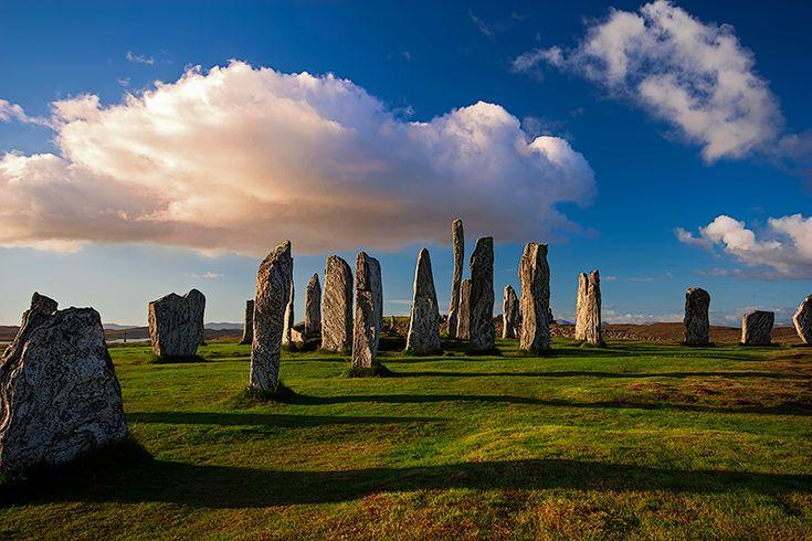Callanish Stones, Lewis. http://www.trekearth.com/gallery/Europe/United_Kingdom/Scotland/Highland/Lewis/photo1408286.htm