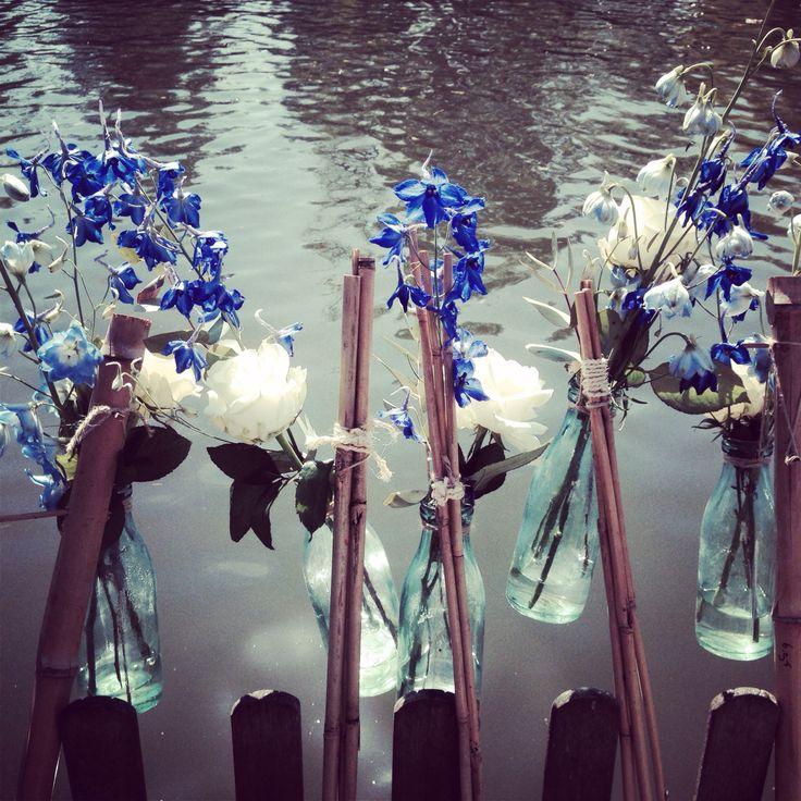 #wedding #flowers #waterside #outdoor #garden #decoration #bruiloft #bloemen #waterkant #buitenbruiloft #tuin #decoratie