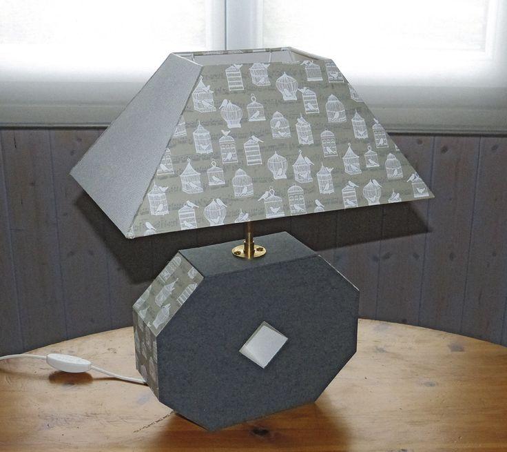 """Pied de lampe et abat-jour réalisés par Dominique G avec le papier PAPERTREE """"MELODY"""" Beige (réf PT56030)"""