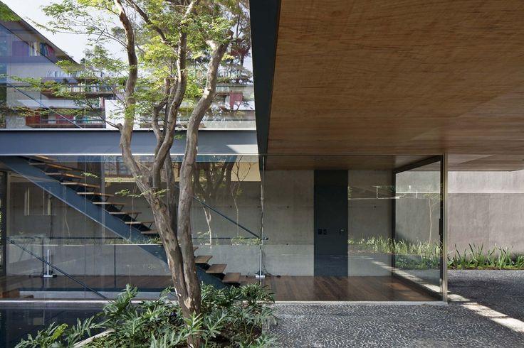 Bacopari House | UNA Arquitetos #outdoor #courtyard