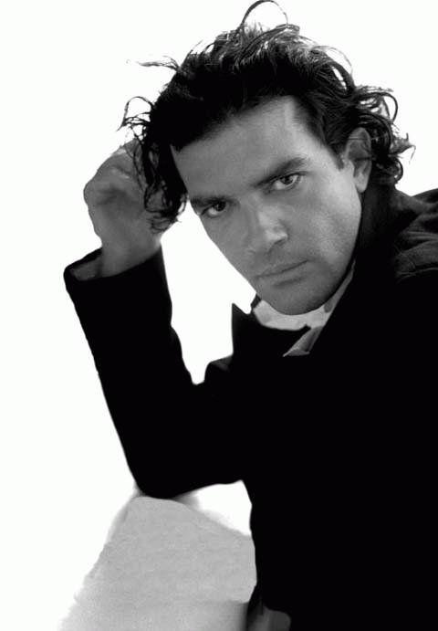Antonio Banderas....hot hot actor! Goodness!