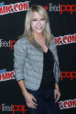 Times Square Gossip: KARA EBERLE @ ROOSTER TEETH'S 'RWBY' COMIC CON
