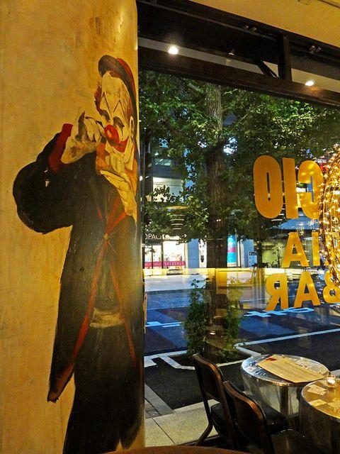 内観写真 : パリアッチョ 丸の内仲通り店 (TRATTORIA&ITALIAN BAR PAGLIACCIO) - 二重橋前/イタリアン [食べログ]