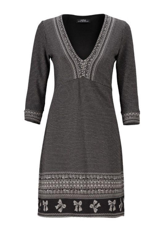 Morphologie en H : la robe Ana Alcazar                                                                                                                                                                                 Plus