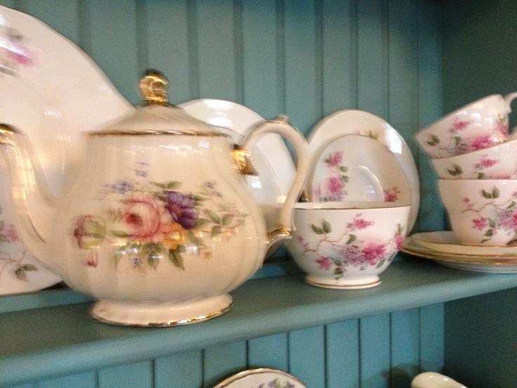 Beautiful tea pot and china..
