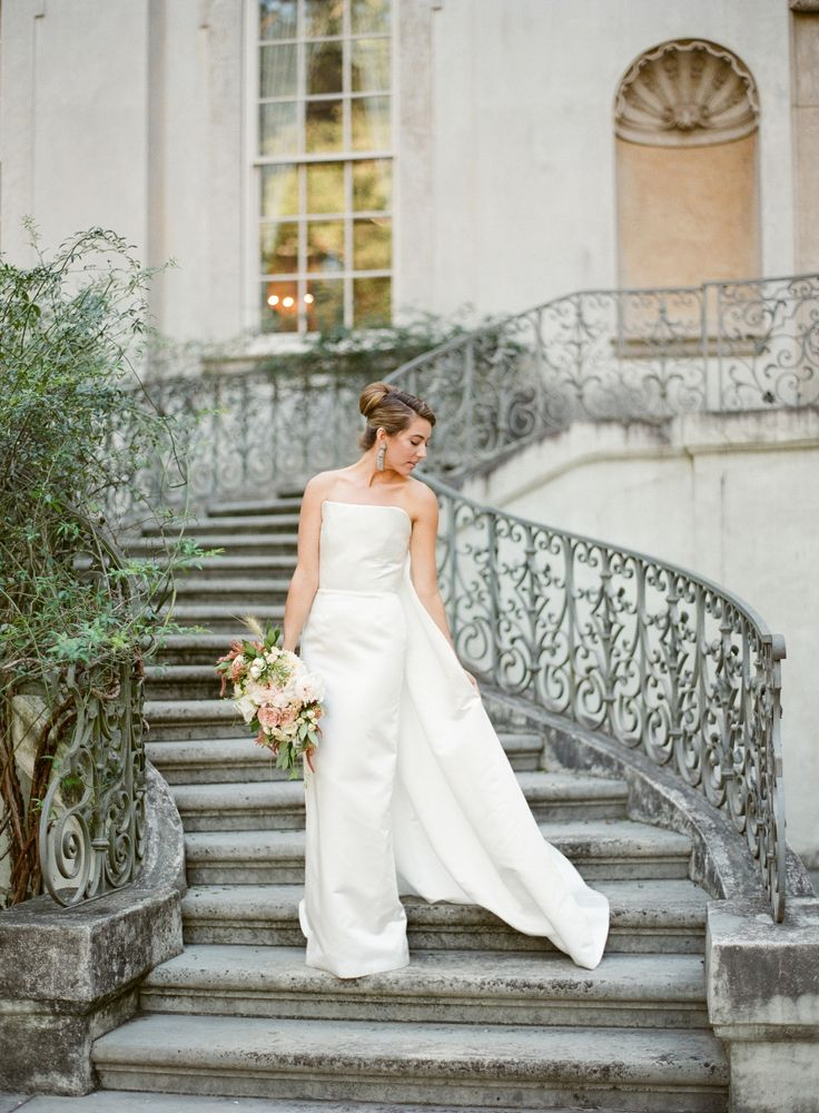 Photography : Almond Leaf Studios Read More on SMP: http://www.stylemepretty.com/2016/12/06/how-to-rock-a-bridal-cape/