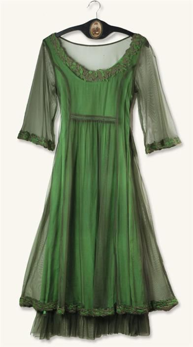 SMOKY EMERALD DRESS: Costumes Stuff, Clothing That, Beautiful Dresses, Victorian Trade, Victorian Clothing, Dresses Thiii, Dresses 150, Green Dresses, Emeralds Dresses