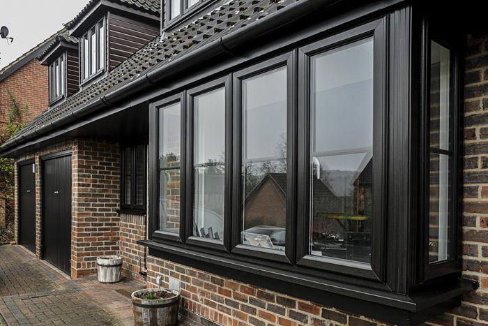 Картинки по запросу черные окна в интерьере