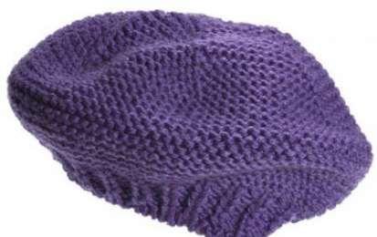 Lavori a maglia: un elegante basco viola - Vediamo ora insieme un lavoro a maglia semplice nel complesso: si tratta di un basco realizzato…