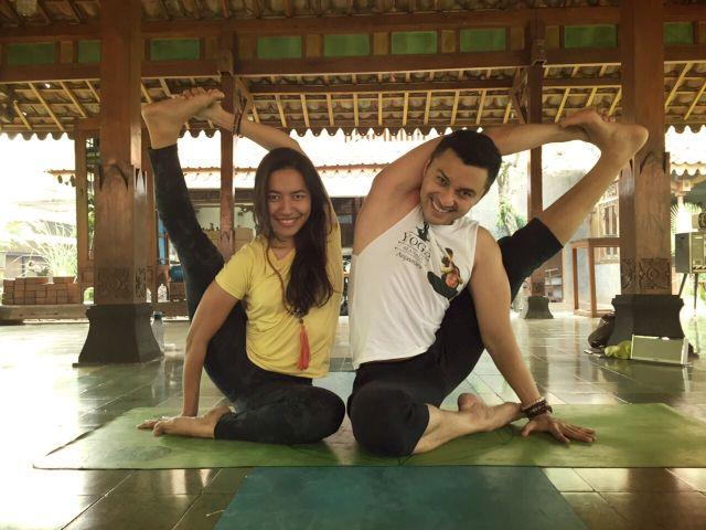 Yoga partner
