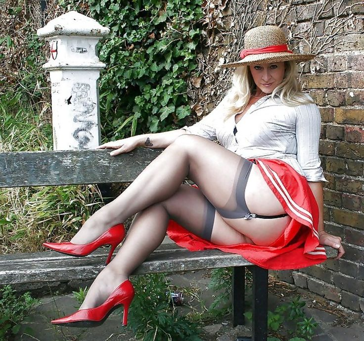 Perfect secretary cumshot