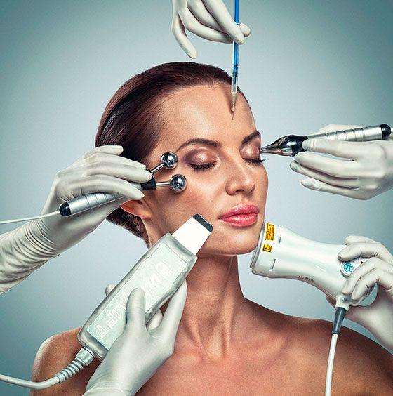 Придумали новогодний образ для себя?  Скоро мы начнём это сущее издевательство! Будем испытывать волосы, как только можно: красить, завивать, начёсывать, сушить, придумывать небанальные причёски.  Блестящими, густыми, действительно шелковистыми волосы способны стать после процедур Plasmolifting.   Запись на сайте (круглосуточно) и по телефону: ☏ +7 (495) 995-43-93 ✉ dentalbeauty@mail.ru